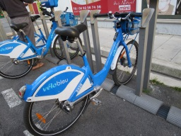 Using the Vélo Bleu (City Bikes) in Nice